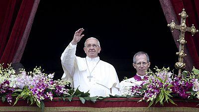 El papa urge a la comunidad internacional actuar ante las crisis humanitarias