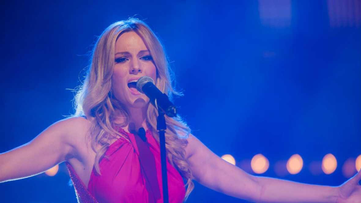 Edurne canta 'Amanecer' en directo