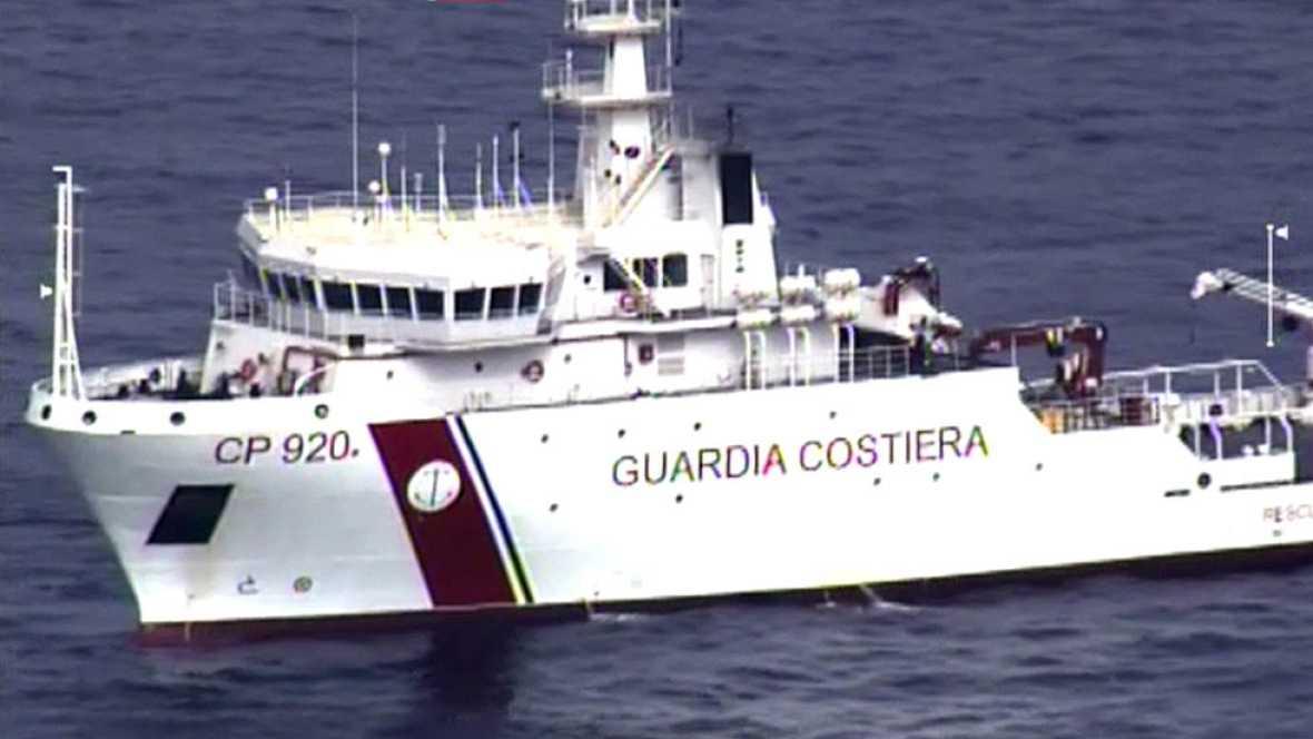 700 inmigrantes desaparecidos en el Mediterráneo tras naufragar un pesquero