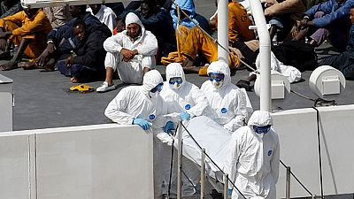 Llegan a Malta los cadáveres de 24 inmigrantes mientras se siguen buscando supervivientes
