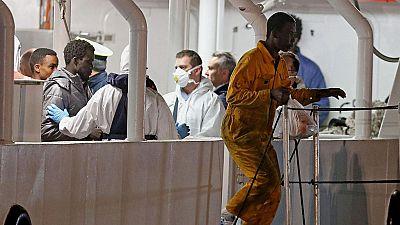 Dos detenidos por tráfico de personas en Catania mientras se sigue buscando a más desaparecidos del naufragio