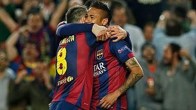 Iniesta y Neymar llevan al Barça a semis