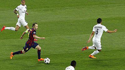 Una genialidad de Iniesta abrió el camino a la victoria del Barça
