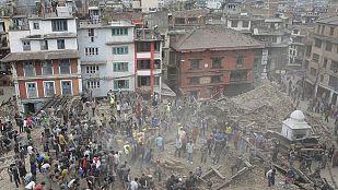 El gobierno nepalí declara el estado de emergencia tras el terremoto