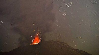 El volcán chileno Calbuco sigue inestable y el Gobierno anuncia ayudas a afectados