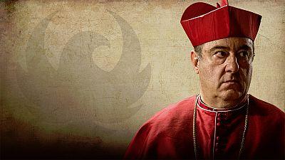 �guila Roja- As� es el cardenal Mendonza, interpretado por Jos� �ngel Egido
