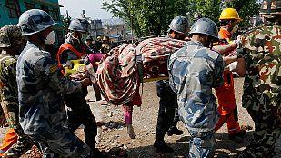 El caos reina en la capital de Nepal tras el terremoto