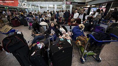 El aeropuerto de Roma reanuda los vuelos después de permanecer cerrado varias horas por un incendio