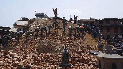 Un nuevo terremoto en Nepal vuelve a sembrar el pánico entre sus habitantes