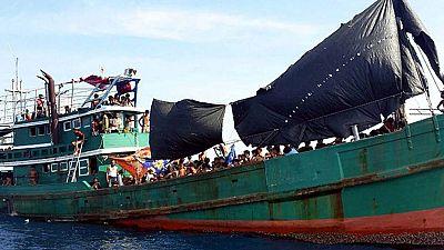 Los 6.000 inmigrantes abandonados en las aguas del sureste asiático siguen a la espera de una solución