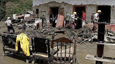 Mueren al menos 61 personas en Colombia tras una avalancha