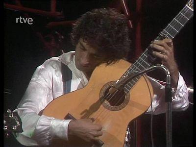 """Lole y Manuel con Smash cantan """"Tiny Peter"""""""