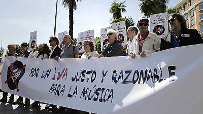 Los músicos se bajan de los escenarios para reivindicar la bajada del IVA