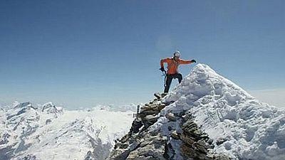 Dani Arnold bate un récord de velocidad en escalada en Monte Cervino