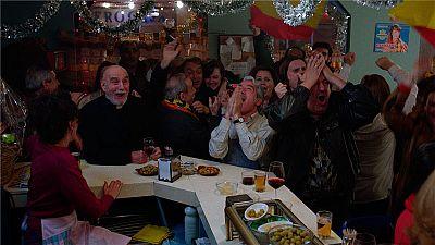 Cu�ntame c�mo pas� - San Genaro celebra el Espa�a - Malta
