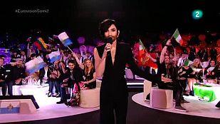 Eurovisión 2015 - Conchita Wurst saluda en la segunda semifinal