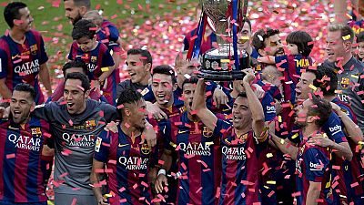 Fiesta en el Camp Nou para despedir a Xavi