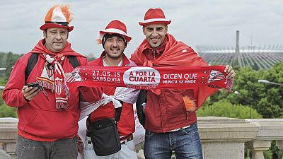 Los seguidores del Sevilla han viajado en masa a Varsovia para ver la final de la Europa League. Y, los que se quedan, lo podrán ver por pantallas gigantes en La Cartuja.