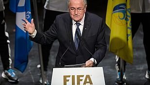"""Blatter: """"Llegarán más malas noticias"""""""
