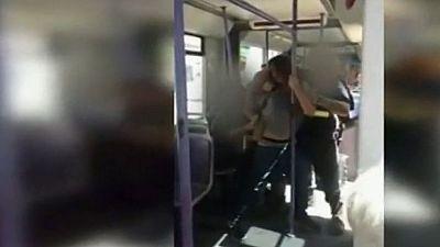 Dos agentes de seguridad del tranvía de Valencia, apartados por la agresión a un joven