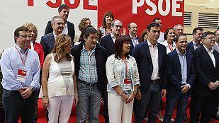 Pedro Sánchez fija con sus barones los términos de su política de pactos