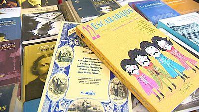 Día esplendido en la feria del libro de Madrid
