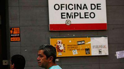 El paro sigue siendo el principal problema para los españoles, según el CIS