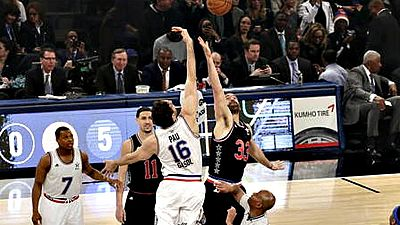 El mundo del baloncesto suma desde hoy su segundo Premio Princesa de los Deportes con la concesión del galardón a los hermanos Pau y Marc Gasol, después de que fuera otorgado en 2006 a la selección nacional, de la que también formaban parte.
