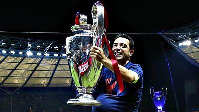 El jugador y capitán del FC Barcelona Xavi Hernández deja 'su'  Barça, al jugar y ganar este sábado en la final de la Liga de  Campeones su último partido como blaugrana, con un récord de 25  títulos y otro récord de 767 enfrentamientos oficiales, y