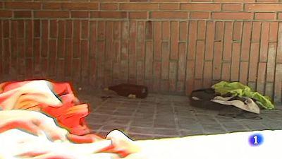 Imputan delito contra la integridad moral a seis menores por agredir a un indigente en Barcelona