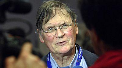 Dimite premio Nobel por sus desafortunados comentarios sobre las mujeres científicas