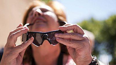 Un ojo biónico devuelve parte de la visión a una cordobesa ciega desde hace 30 años