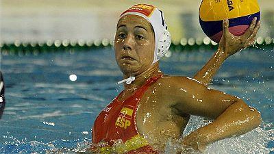 La selección española de waterpolo femenino se ha colgado la medalla de plata en Bakú 2015 al caer en la tanda de penaltis de la final contra Rusia.