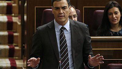 """Pedro Sánchez acusa a Rajoy de no tener """"credibilidad"""" y el presidente defiende """"perseverar"""" en sus políticas"""
