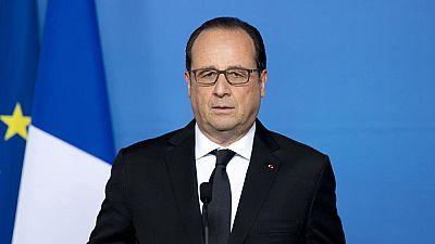 """Hollande, tras el atentado de Lyon: """"No cederemos jamás ante el miedo"""""""