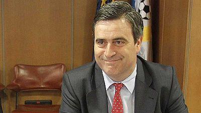 El presidente del Consejo Superior de Deportes (CSD), Miguel Cardenal, aseguró que el presidente de la Real Federación Española de Tenis, José Luis Escañuela, suspendido en el ejercicio de sus funciones durante un mes por el Tribunal Administrativo d