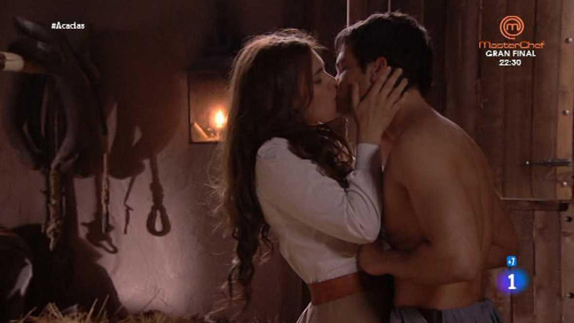 'Acacias 38' - Pablo y Leonor hacen el amor por primera vez
