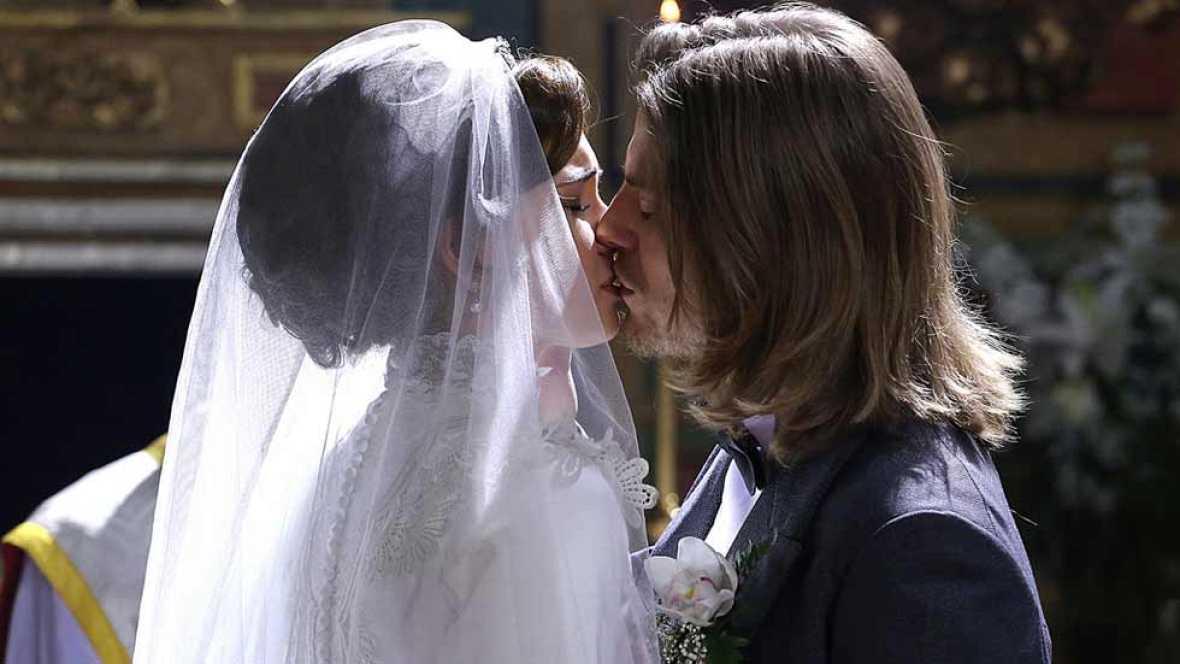 'Acacias 38' - Claudio y Leonor se casan