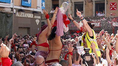 Reuni�n de periodistas y pe�as para decir 'no' a las agresiones sexistas en San Ferm�n