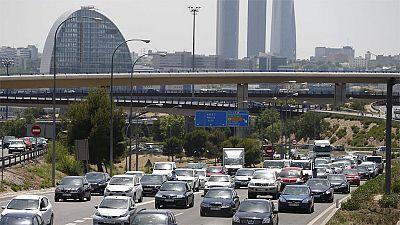 Sin víctimas y retenciones en Madrid y Barcelona en el inicio de la Operación salida