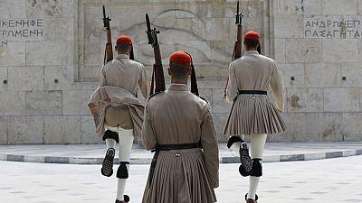A la OTAN no le interesa que Grecia recorte gastos en Defensa