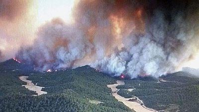 Varios pueblos desalojados por un incendio en las Cinco Villas