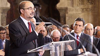 El socialista Javier Lamb�n  toma posesi�n en Arag�n