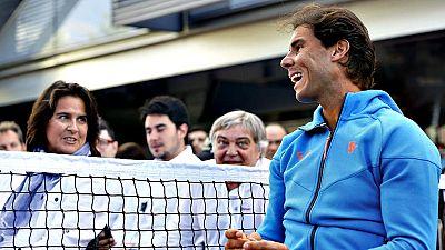La extenista Conchita Martínez ha sido la elegida por la Real  Federación Española de Tenis (RFET) como nueva capitana de la Copa  Davis, después de la destitución el pasado viernes de Gala León, con  lo que la aragonesa se sentará en el banquillo de