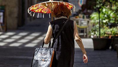 El calor vac�a las calles de Barcelona