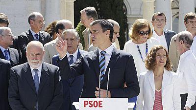 Pedro Sánchez dice que tan malo es no tocar la  constitución como liquidarla