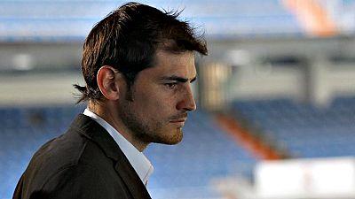 La salida de Casillas del Real Madrid para jugar en el Oporto ya es una realidad, tal como adelantó TVE el pasado lunes. Aunque a última hora de este jueves la negociación entre el jugador y el club se complicó debido a unas diferencias económicas, e