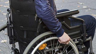 Un estudiante discapacitado pide una rampa a Renfe para poder ir en tren a la universidad