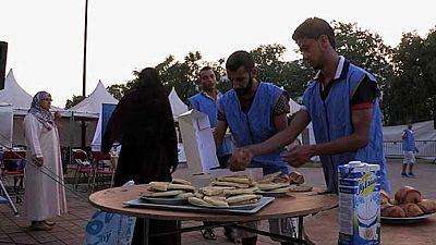 Millones de musulmanes celebran la festividad religiosa del Eid el Fitr