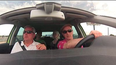 Un grupo de conductores ciegos, al volante por primera vez